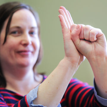 'ASL is a true language'; local deaf advocate calls for changes to Bill C-81