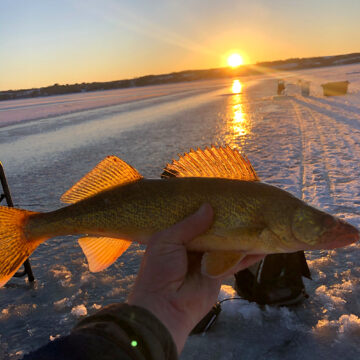 Saskatchewan fishers should be cautious about ice fishing in early winter months